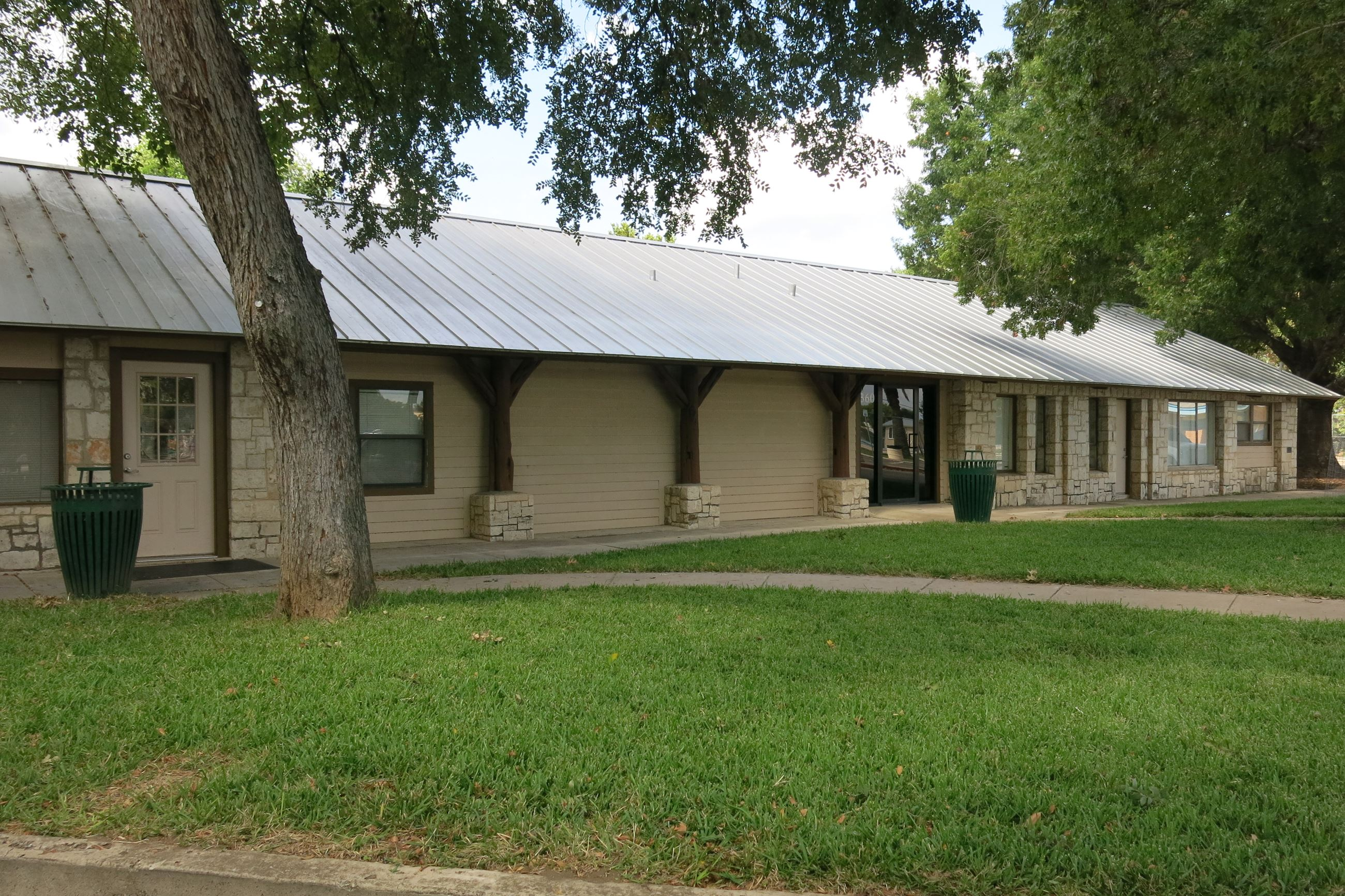 hideout in rental redawning braunfels the cabin vacation new rentals home cabins property